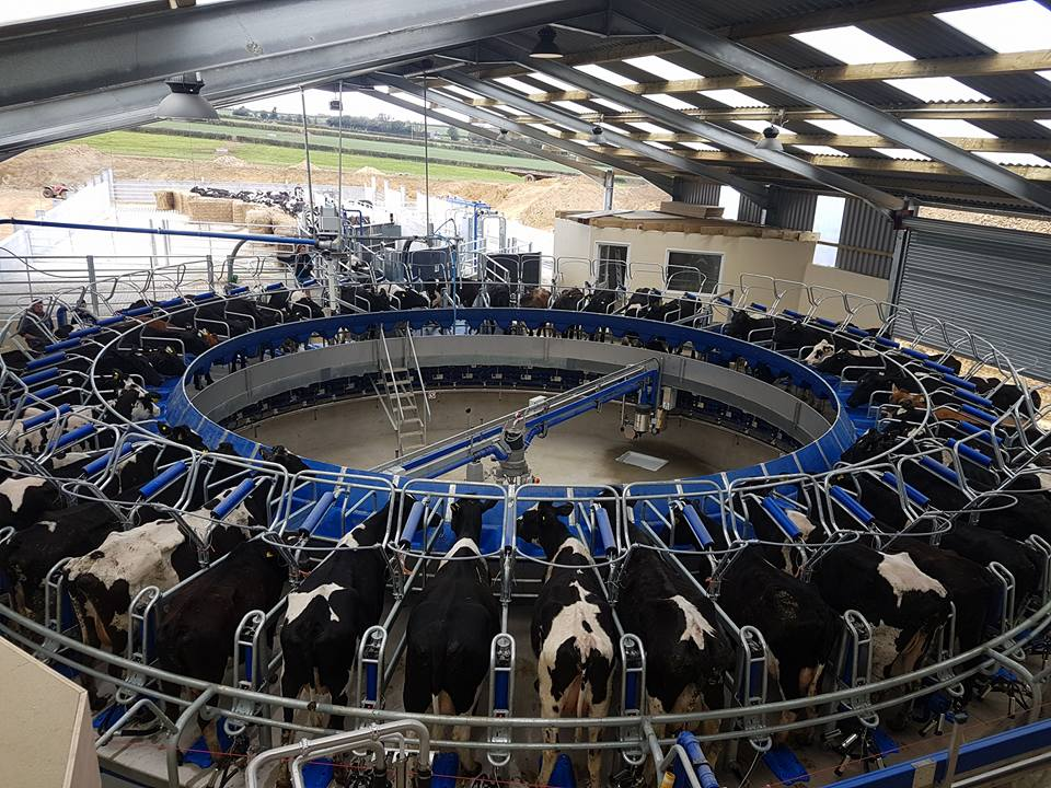 DeLaval Rotary Milking Parlour